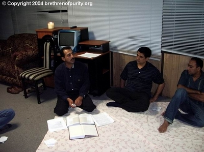 Saeed Ghalambor lecturing about thankfulness. To his right, Ghulam Mohammad and Ghulam Jaffer.