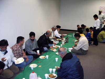 The attorney Zaheer Zaidi, third from left, during the Iftar meal. Zaidi is an immigration lawyer who practices in both San Jose, CA, and Houston, Texas. Zaidi is a senior member of SABA.