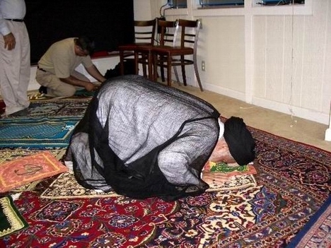 Seyyed Mahmoud Sedehi praying at Masjid Al-Rasool, in Campbell, California.